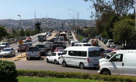 Colapsa tráfico en Tijuana.