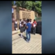 Estudiantes del Plantel 66 del Colegio de Bachilleres del Estado de Oaxaca en Puerto Escondido fueron testigos de la serenata que conmovió a la agraciada