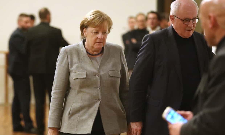 Merkel da soluciones a crisis de Alemania