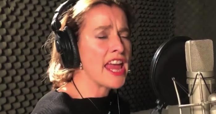 Esposa de AMLO canta para documental 'esto soy'