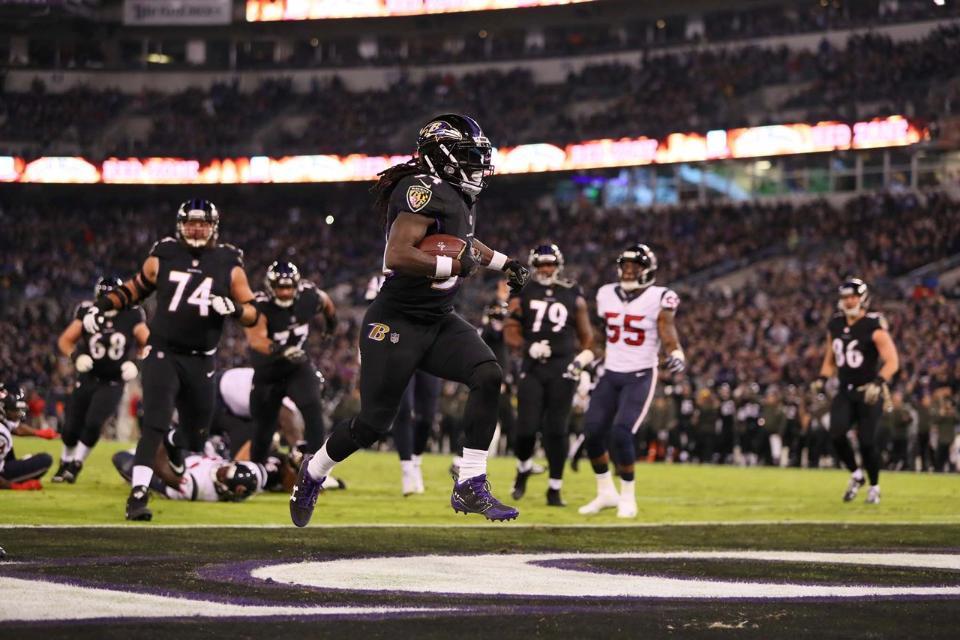 Ravens vencen a Texans y pisan zona de Playoffs