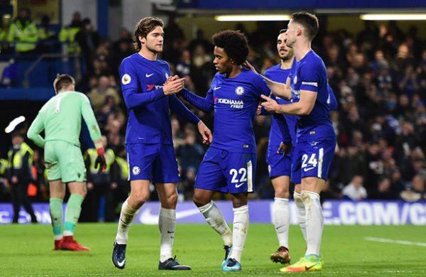 (VIDEO) Chelsea golea al Stoke y presiona más a Manchester United