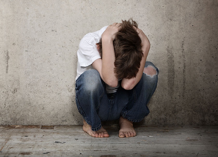 Detienen a madre alemana por prostituir a su hijo de nueve años