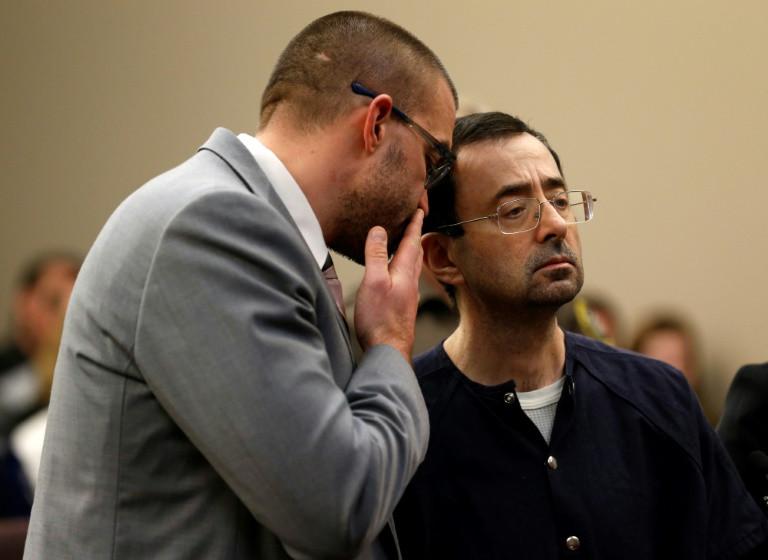 #AlertaADN Ex médico de gimnastas estadounidenses comparece ante corte de Michigan