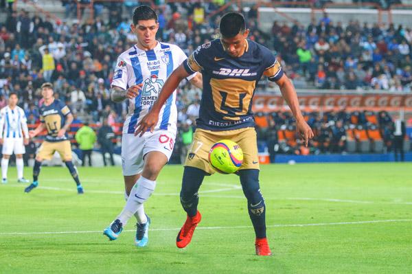 Pumas le propina 3 a Pachuca