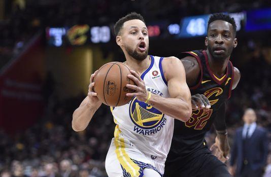 Warriors propinan cuarta derrota en línea a Cavaliers