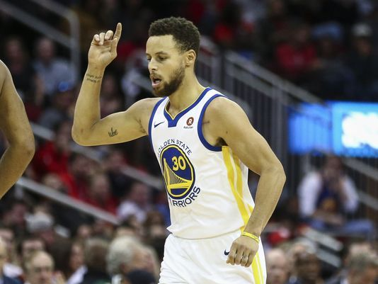 122-125. Curry sella con triple triunfo de Warriors ante Mavericks