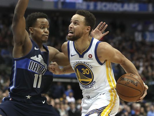 Curry brilló en triunfo de Warriors en Houston