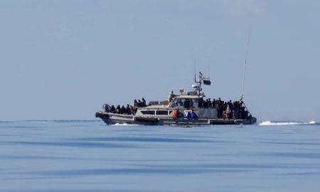 barco de migrantes