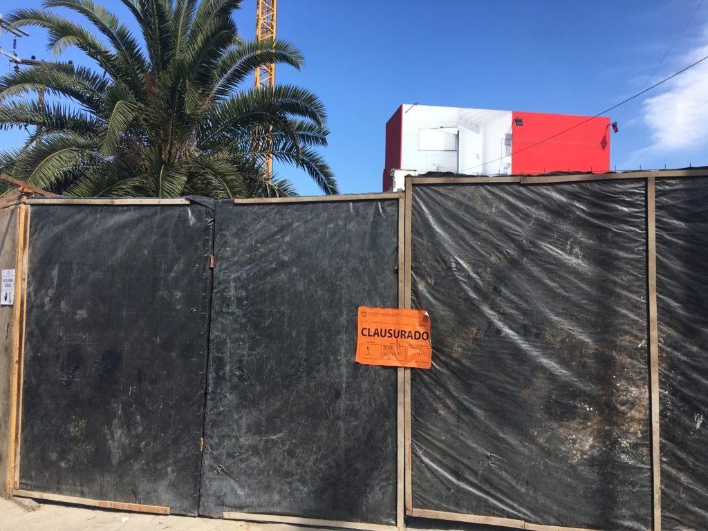Autoridades locales clausuraron la obra tras denuncias de Centro Educativo