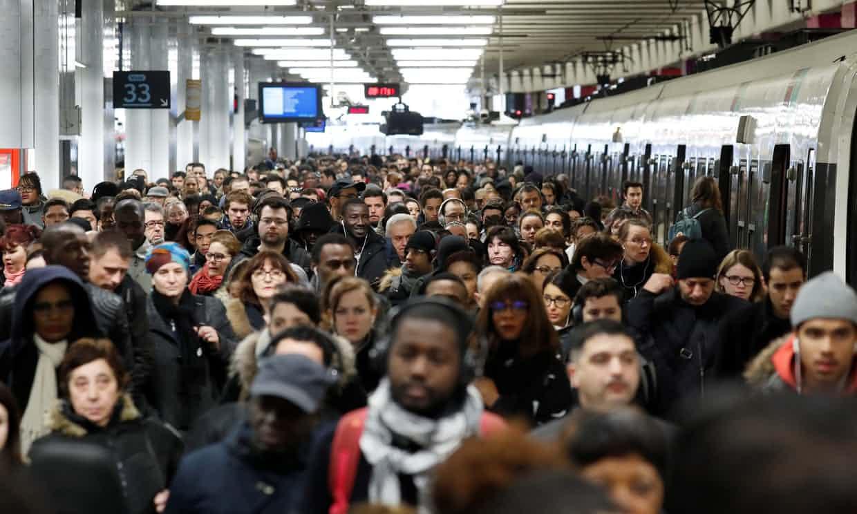 Protestan en Francia por transporte
