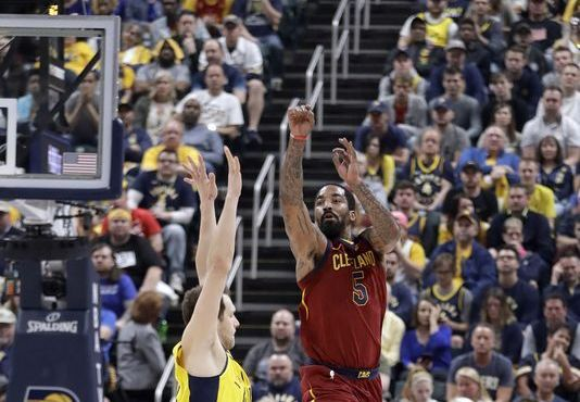 Cleveland vence a Indiana y empata la serie