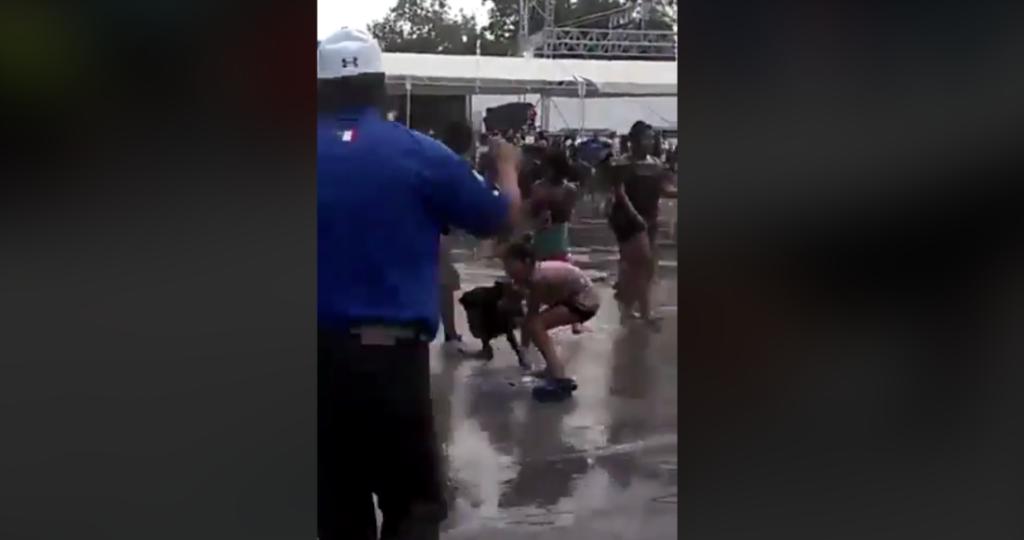 Pitbull ataca a niña mientras se mojaba en las fuentes de Iztacalco