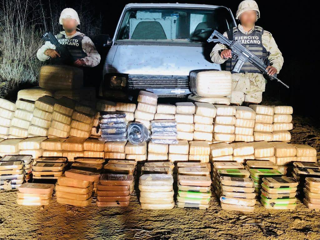 Ejército decomisa 800 kilos de drogas en Ensenada