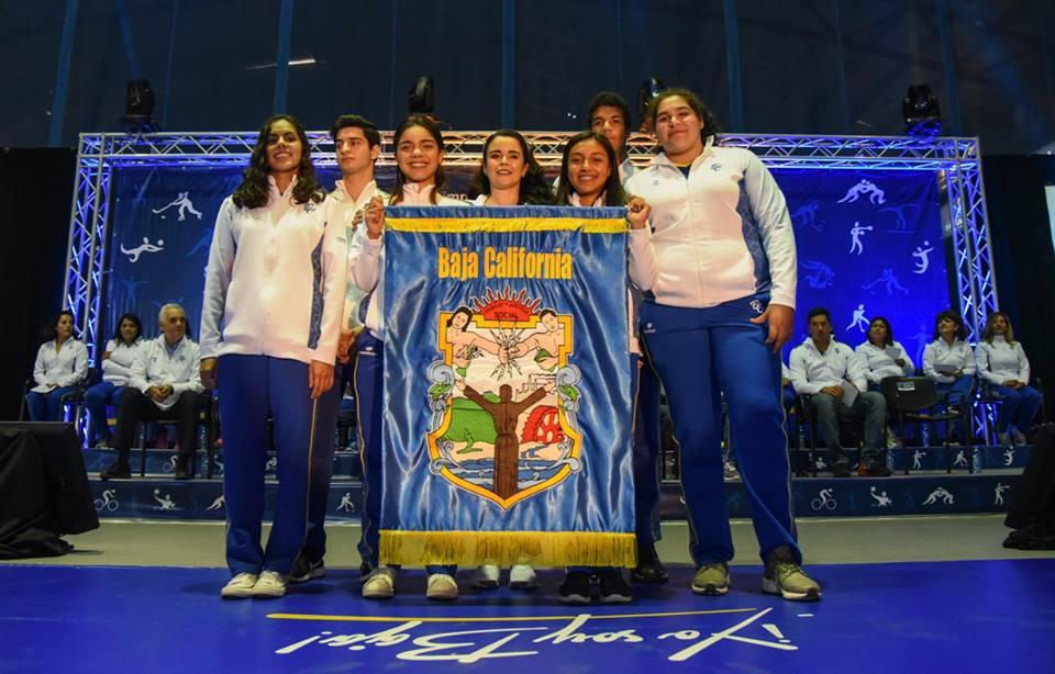 Encabeza Corral abanderamiento de participantes en olimpiada nacional
