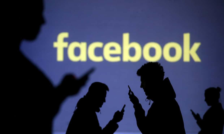 Facebook, iPhone, app, espía