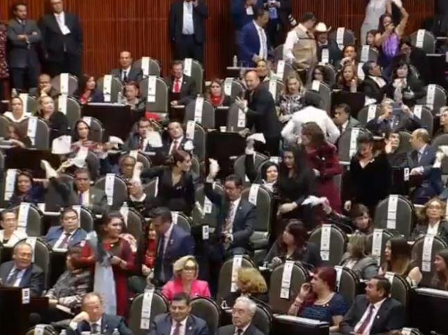 AMLO, normalistas, congreso, Ayotzinapa