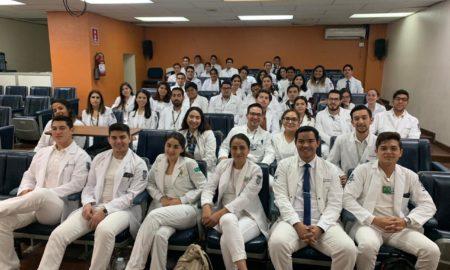 médicos