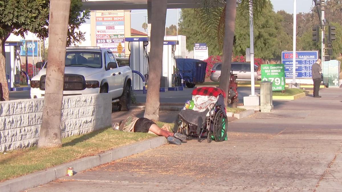 Imperial Beach, San Diego, personas sin hogar, ley, California