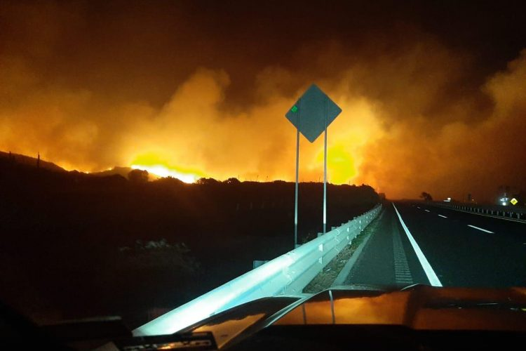 Ensenada, carretera, Baja California, incendio, Santa Ana