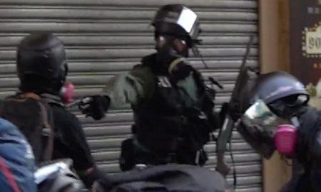Hong Kong, manifestación, manifestante, policía, arma de fuego, video, viral