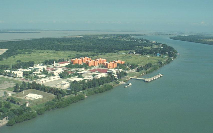 refinería privada