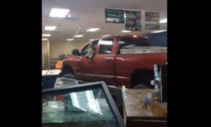 video, viral, tienda, camioneta, EEUU, vehículo