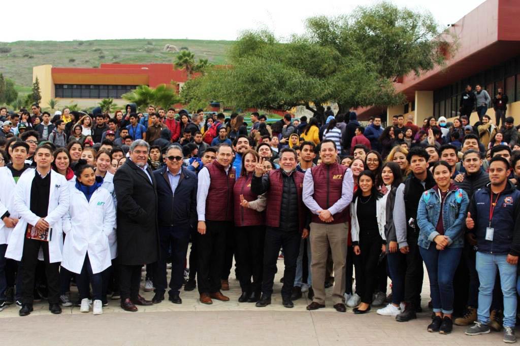 estudiantes,UTT, capacitación