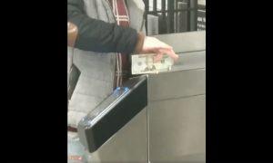 hombre, dolar, metro, nuevayork, video, viral