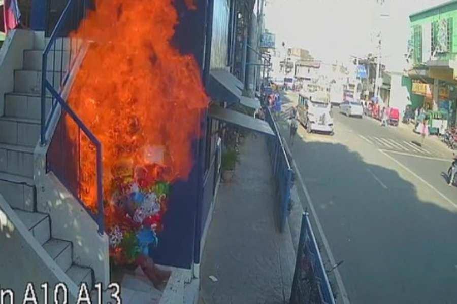 incendio, vendedor, Filipinas, lo viral, fuego, jóvenes, delito