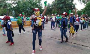Mamas, hijos, Pokemon, festival, México, escuela,
