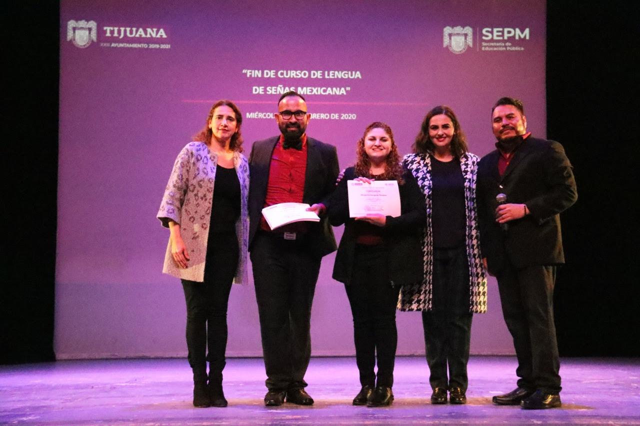 Concluyeron 151 alumnos de los cursos de primer y segundo nivel de Lengua de Señas Mexicana