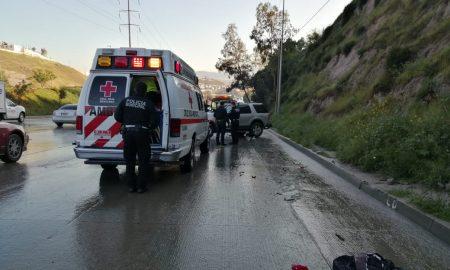 volcadura, accidente, sobre el bulevar Rosas Magallon