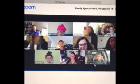 Mujer, videoconferencia, trabajo, chat, baño, video, viral