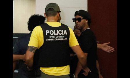 Ronaldinho, detencion, pasaporte, falso