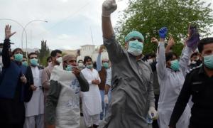 Pakistán, arresto, manifestación, injusticia, falta de insumos, pandemia, coronavirus, covid-19, médicos, enfermeros