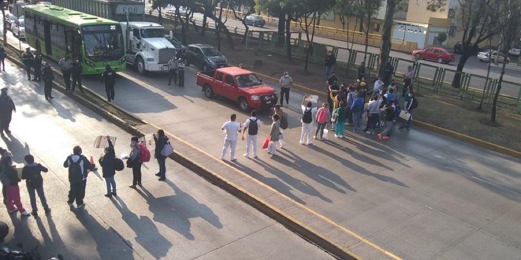 IMSS, La Raza, manifestación, sector Salud, insumos, insuficiencia, exigencia