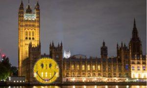 Cara feliz, hospital, parlamento, Londres, Covid-19, coronavirus