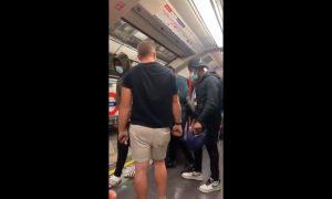 Hombre, agresiones, racista, comentarios, racistas, negros, afrodescendientes, metro, Londres, golpe, cara, video, viral