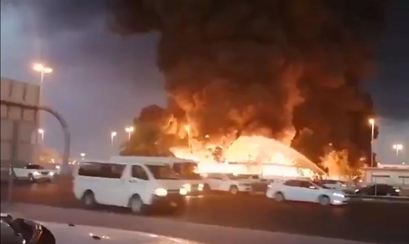 Ajmán, incendio, Emiratos Árabes Unidos, incendio, mercado, llamas, video, viral