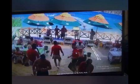 Moto acuática, Mango Deck, golpea, arroya, mujer, vendedora, Los Cabos, Baja California Sur