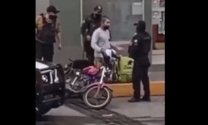 Polic!as, arresto, víctima, siembran, plantan, evidencia, droga, Veracruz