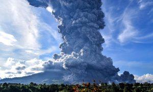 volcán, erupción, Sinabung, Indonesia, evacuación