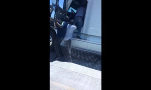 Yaquis, chofer, trailer, agreden, golpean, vialidad, carretera, Sonora