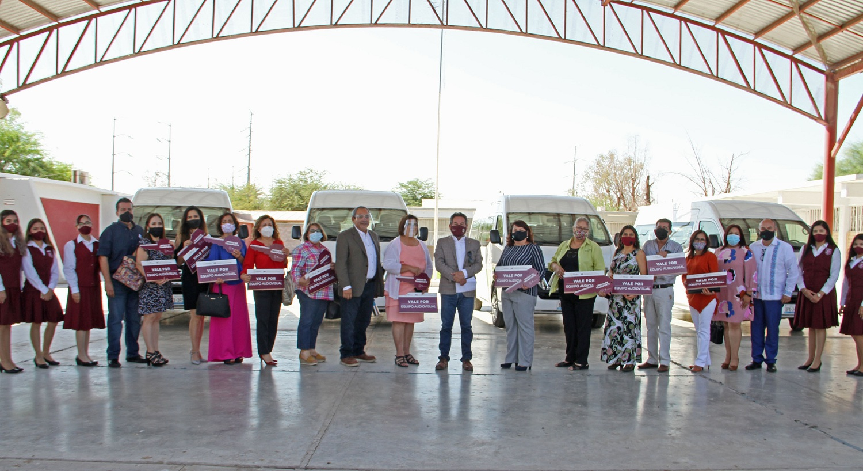 Escuelas Formadoras Docentes, ceremonia, entrega de transporte