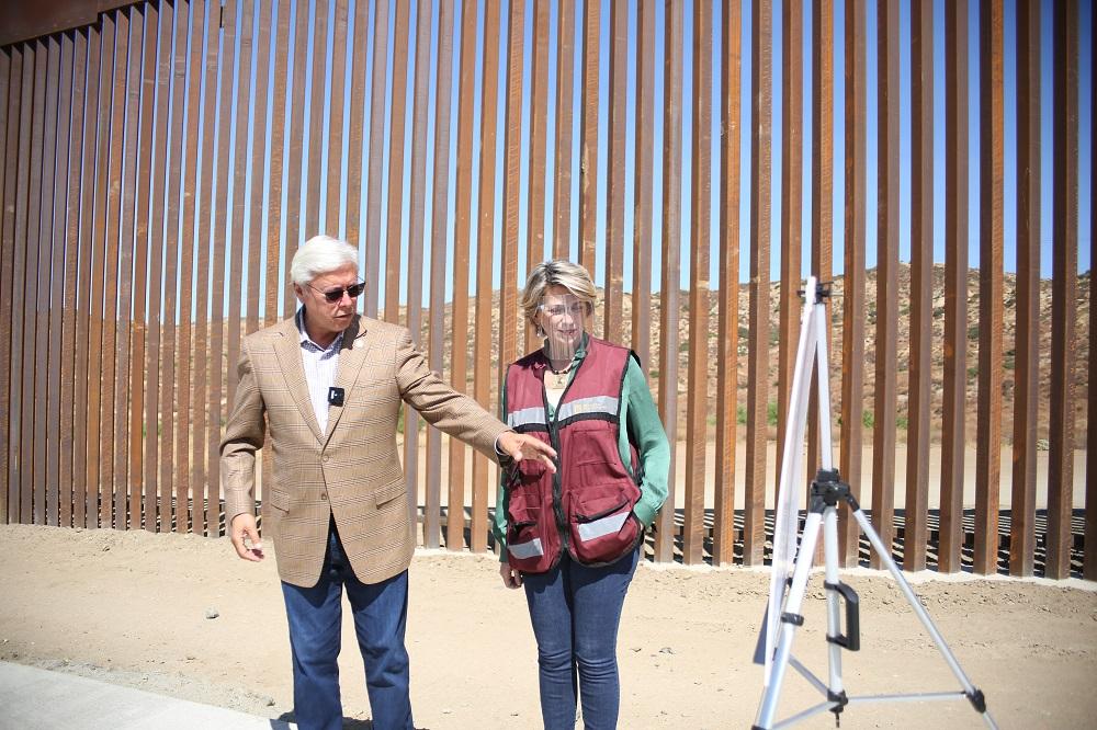 Gobernador Jaime Bonilla Valdez, pavimentación, Tecate,