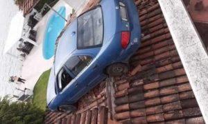 conductor, tejado, accidente, automóvil, Edomex