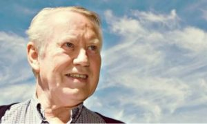 Chuck Feeney, billonario, fortuna, regala, altruismo