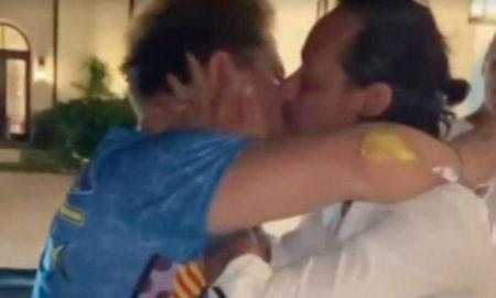 Marc Anthony, Romero Britto, beso, polémica, crítica