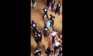 Baile, graduación, espaldas, covid-19, covonavirus, video viral